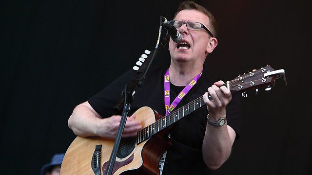Watch The Proclaimers perform 500 Miles at T in the Park 2010 VV