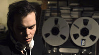 Click to play clip: Gaz Coombes - Vinyl Revival