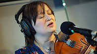 Click to play clip: Eliza Carthy - In session for Mark Radcliffe