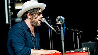 Click to play clip: Ed Harcourt - Glastonbury highlights