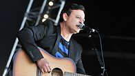 Click to play clip: James Dean Bradfield chats to Janice Long