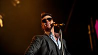 Click to play clip: Robin Thicke - 1Xtra Live 2013