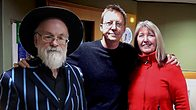 Click to play clip: Maddy Prior and Sir Terry Pratchett chat with Simon