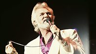 Click to play clip: Kenny Rogers is inducted into Michael Ball's Singers Hall of Fame