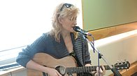 Click to play clip: Eddi Reader Live in Session